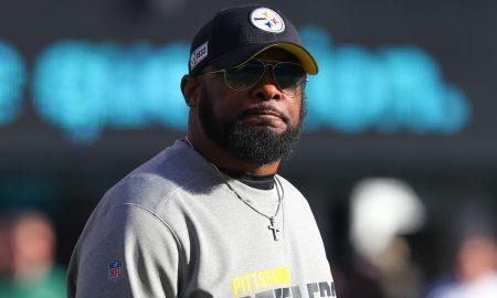 Pittsburgh Steelers renovam com head coach Mike Tomlin